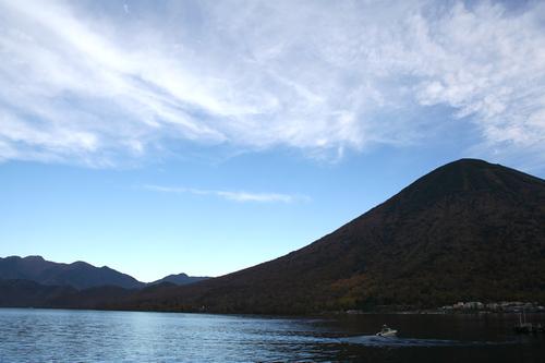 男体山と中禅寺湖 2